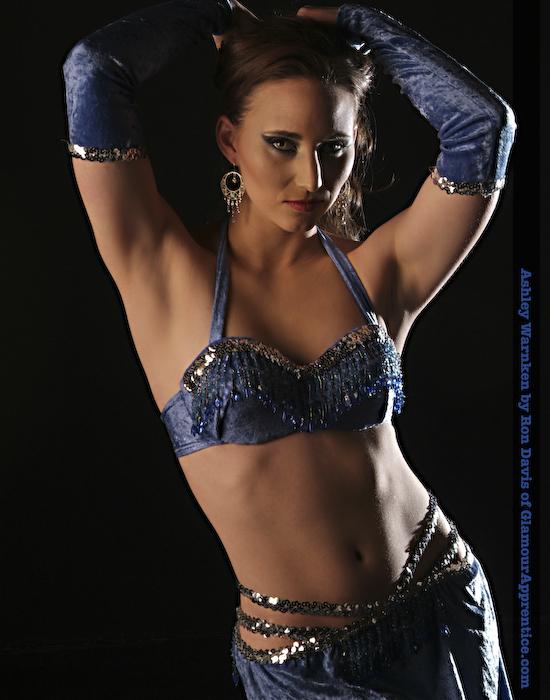 Belly Dancer in Blue – Abs - 295.5KB